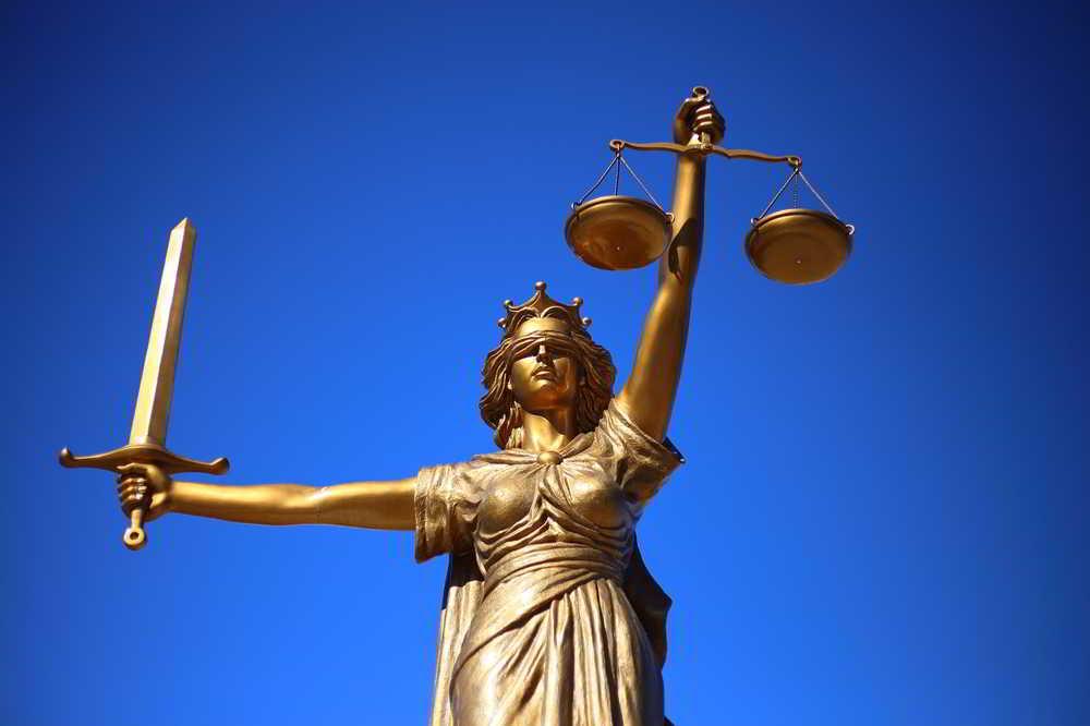 Prawo w praktyce – kancelaria przewodnikiem w labiryncie regulacji