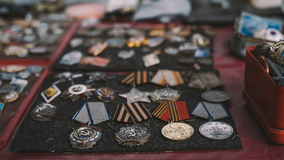 Co ma wspólnego zbieranie orderów z numizmatyką
